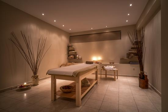 Awesome Spa Room Decor Ideas #1: Massage-room.jpg