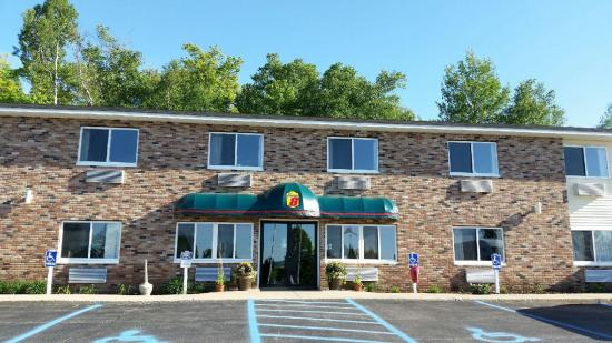 AmericInn Petoskey: Welcome