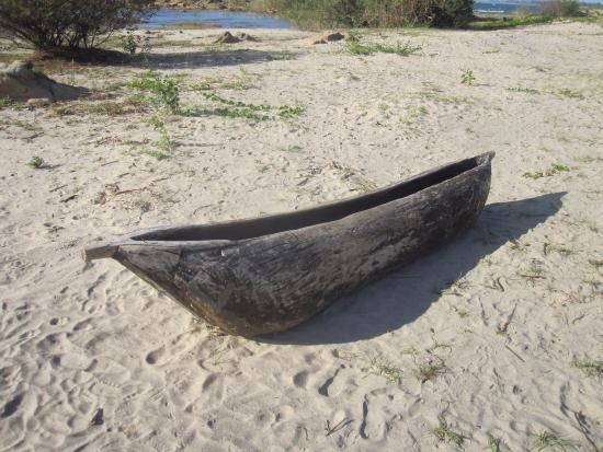 Nkhotakota, Malawi: Local fisherman's boat
