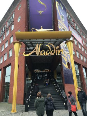 Eingang Vom Theater Bild Von Disneys Aladdin Hamburg Tripadvisor