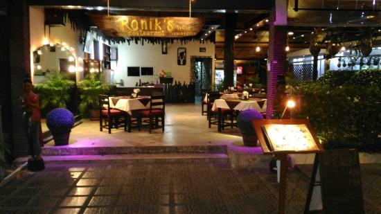 Ronik's Restaurant