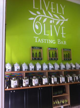 Lively Oil Tasting Bar