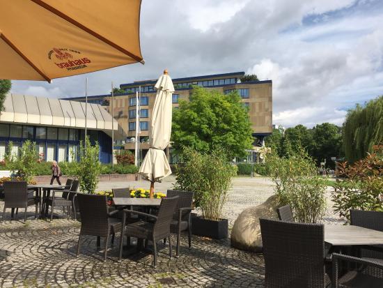 Parkhotel Pforzheim : Langs het water gelegen.