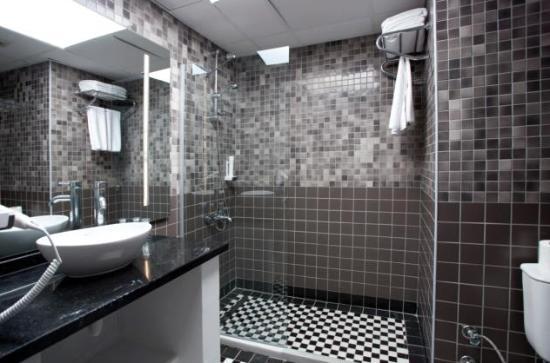 Gästewc luxus bäder toll das gäste wc ist vom bad separiert picture of