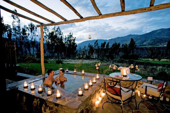 Belmond Las Casitas: Romantic hot tub with a magical view.