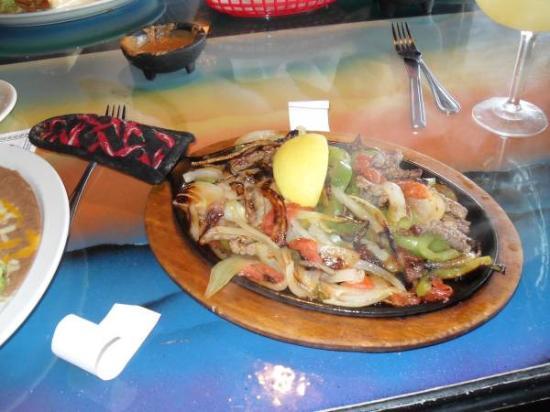 El Azteca Mexican Restaurant: The meals