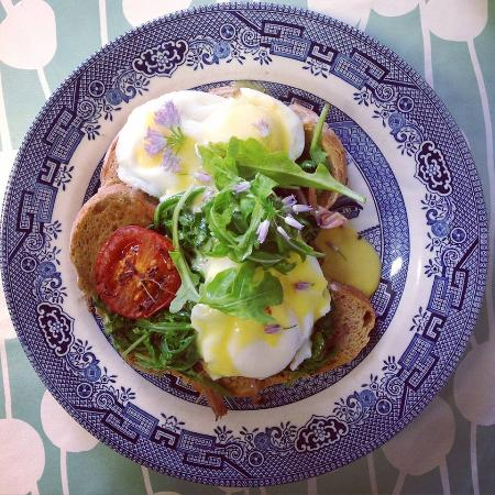 Collooney, Ireland: Slow cooked Irish Ham Benedict