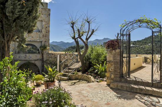 Monda, España: Garden 2