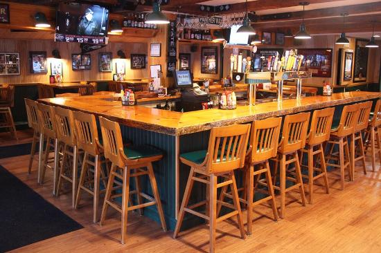 Plymouth, NH: Panther Pub & Grill