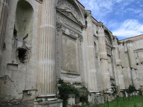 Chiesa San Francesco: fianco sinistro basilica
