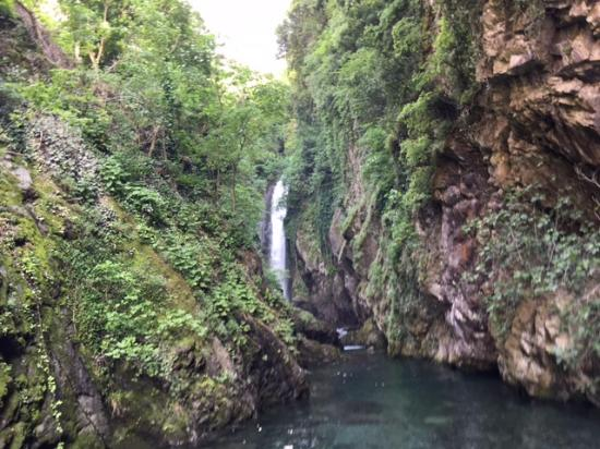 Domaso, Italia: Hidden waterfall