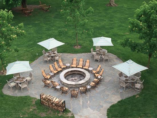 Frontier Tavern at Omni Bedford Springs Resort : Firepit and surrounding tables just outside the patio of Frontier Tavern.