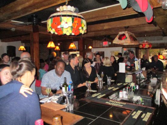 O'Murphys Pub: Great Bar