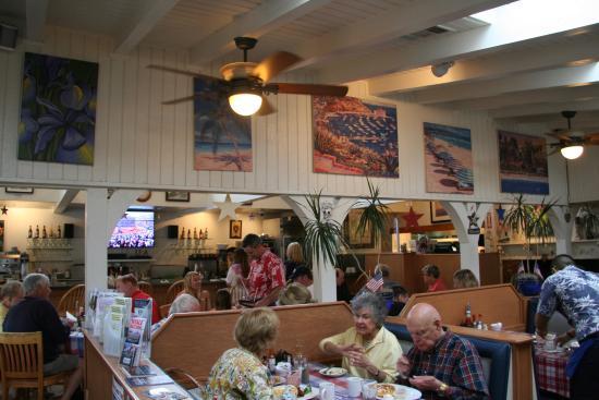 Wilmau0027s Patio: The Dining Room