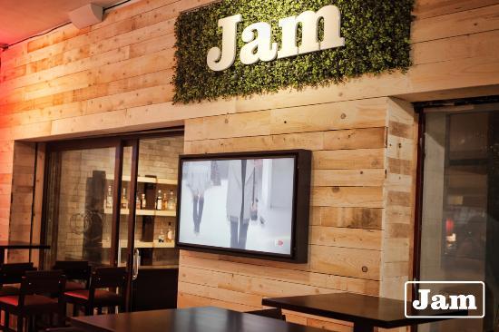 Jam Bistro & Lounge