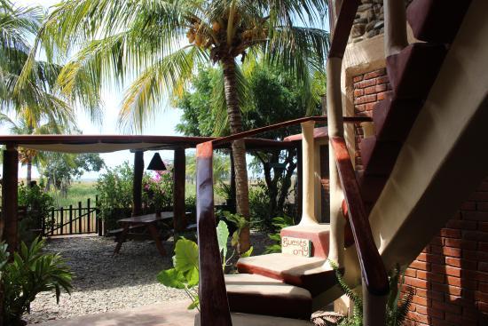 Las Salinas, Nicaragua: uncommon commons