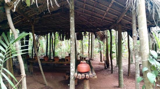 Maachli Farmstay: The dining area