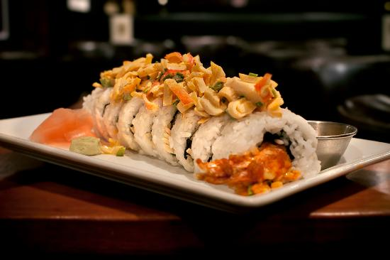Blackwater Lounge: Firecracker Crab Roll