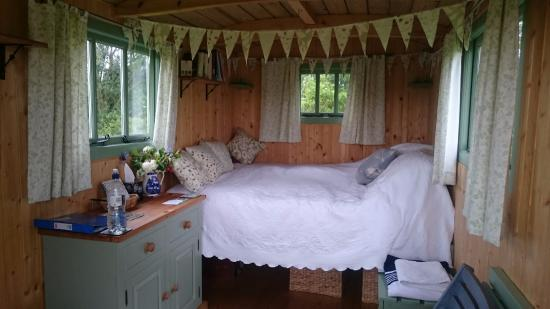 Priors Hardwick, UK: Our comfy room for the weekend