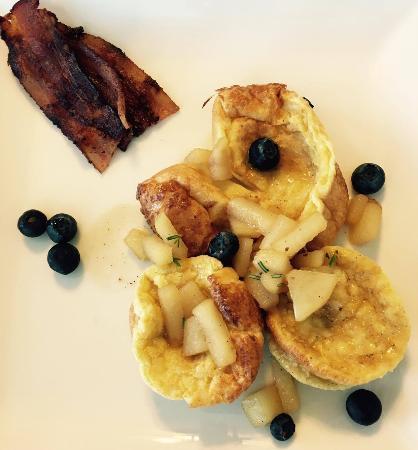 Beacon House Inn Bed & Breakfast Photo