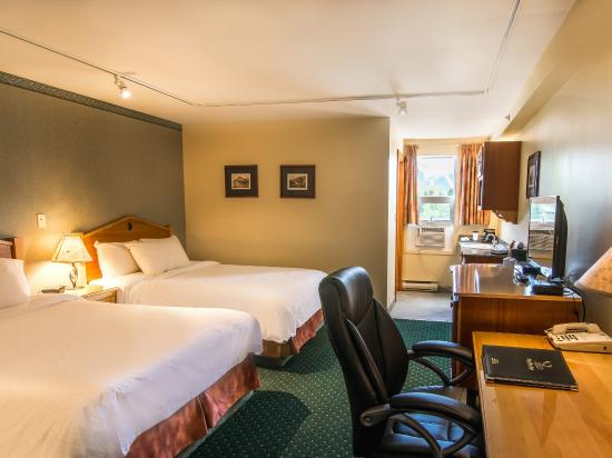 Park Place Lodge Hotel Fernie - Standard Room with Two Double Beds