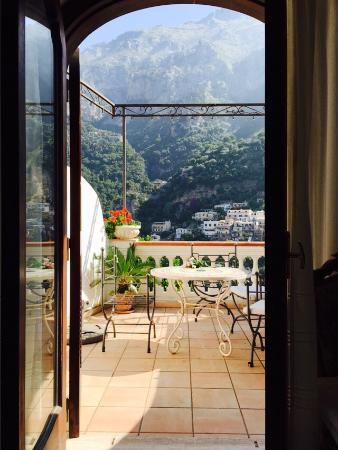 Villa Palumbo B&B: 이탈리아 여행 중 최고였던 숙소! 가격은 저렴한데 정말 넓고 쾌적한 방이었어요! 특히 테라스가 있고 화장실도 넓고 깨끗해서 좋았어요. 그리고 조금 걸어서 내려가면 맛 좋은
