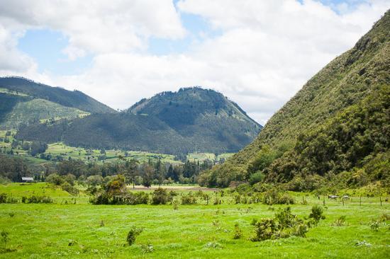 Imbabura Province, Ecuador: Hacienda Zuleta: view on hike to condor center