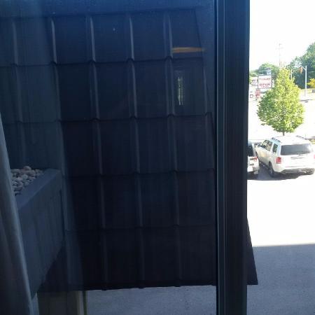 Stone Gate Inn: view was 2/3 wall