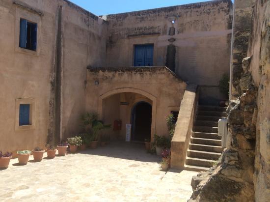 Museum of Cretan Ethnology: L'entrée du musée a Vori