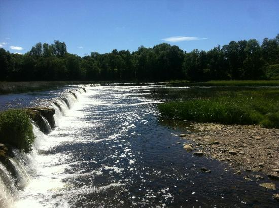 Venta Rapid Waterfall: кулдыга водопад