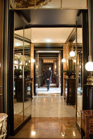 Reception - La Réserve Paris