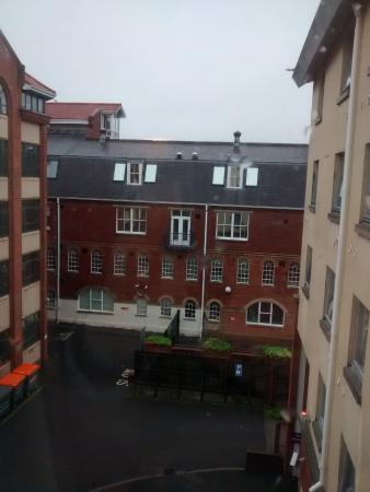 Premier Inn Norwich City Centre (Duke Street) Hotel: Quiet rear courtyard view.