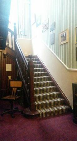 Hillcrest House : beautiful hallway