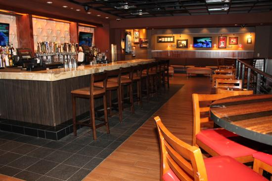 Four Winds Casino Resort: The Mezzanine at Hard Rock Cafe Four Winds