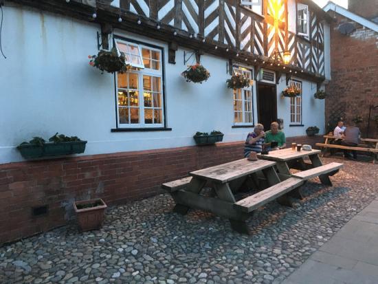 White Hart Pub: photo0.jpg