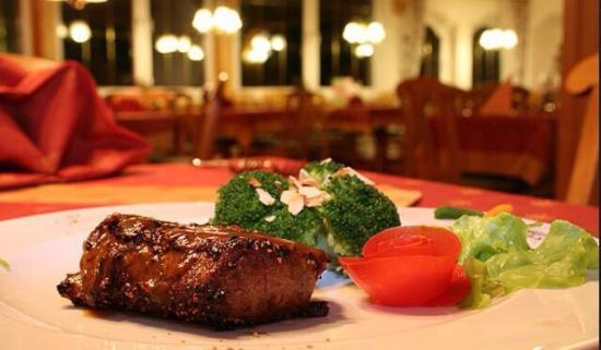 Restaurant Tomate & Titanic bar