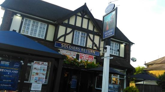 Soldiers Return on Ickenham High Road, a stone's throw from West Ruislip tube/overground station