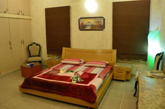 Dating room for rent in karachi pakistan