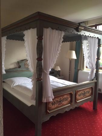 King Size Canopy Bed Picture Of Hotel Burggartenpalais Rothenburg