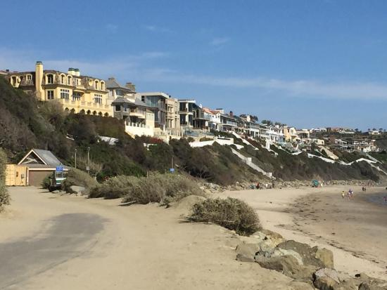Dana Point, Californië: Houses above the beach