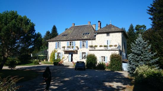 Boisset, Francja: La vue du batiment principal