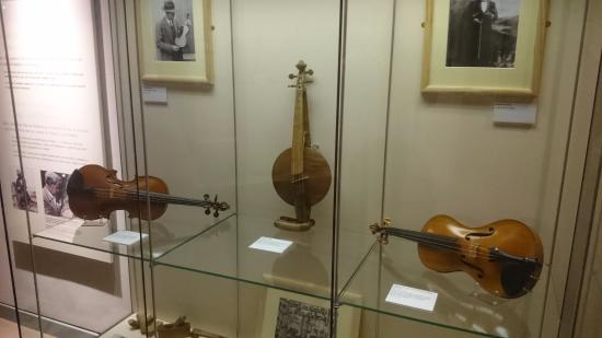 Inverness Museum and Art Gallery: Musical instruments