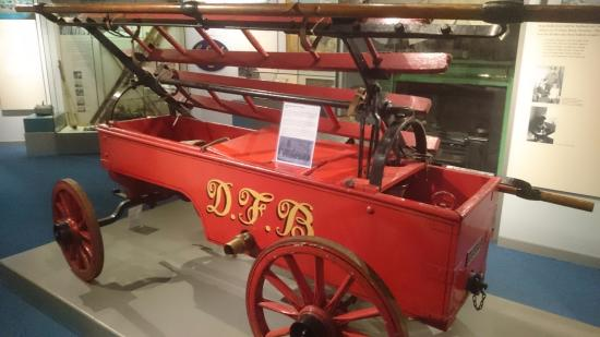 Inverness Museum and Art Gallery: Old fire engine