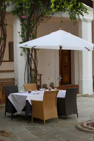 Casa Oaxaca: One of the very few dining tables in the courtyard