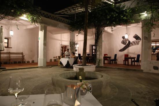 Casa Oaxaca: dining after sun-down