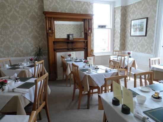 Acorn House Hotel: Breakfast Room, Immaculate With Allocated Tables For All  Rooms