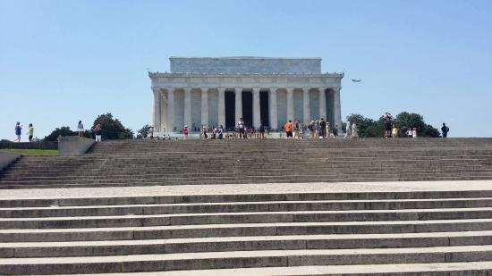 FinallyElaine Private Walking Tours of Washington D.C.
