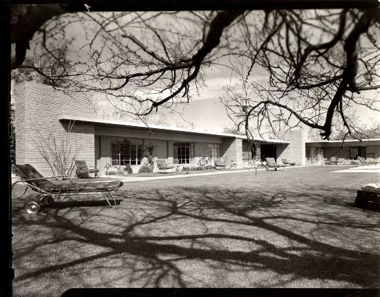 The Hideaway: Vintage 1946 Schulman photo