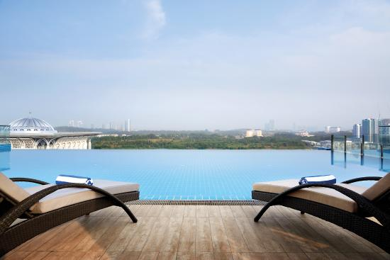 Dorsett putrajaya bewertungen fotos preisvergleich for Swimming pool preisvergleich