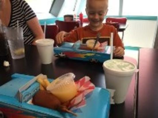 Moondoggy's Classic Diner: The '57 Chevy Kids Meal is a treat!